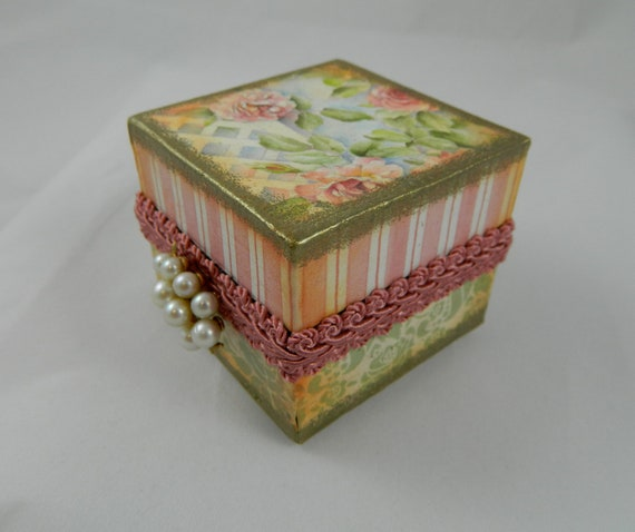 jewelry box  re gifting box  presentation box  altered box   altered jewelry box  roses and lattes pink and soft greens vintage earring