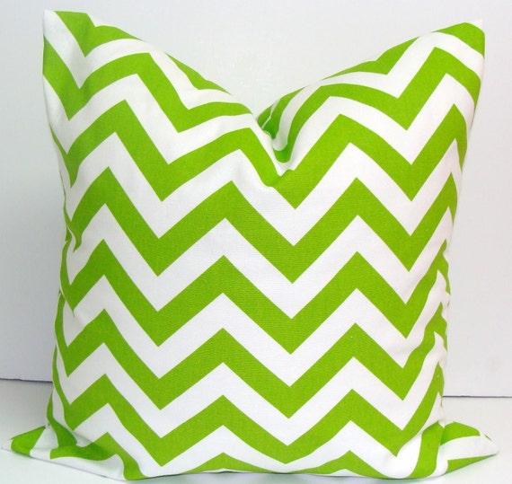 GREEN CHEVRON PILLOW..20x20 inch.Pillow Cover.Decorative Pillows.Pillow Cover.Housewares..Chartreuse.Bright Green Zig.Chevron.Green Cushion