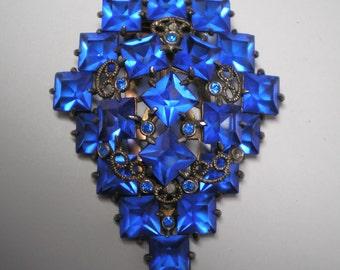 Blue Square Rhinestones  Dress Clip   Item No: 16578