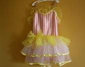 Vintage ballet costume/ dance costume/ leotard tutu and hat / Girl's size 4 to 8 - bondplacevintage