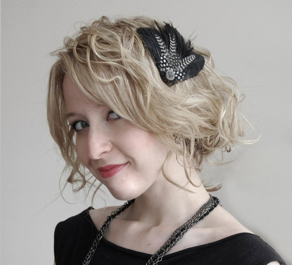 1920s Vintage Feather Hair Clip - Black and 1920s Vintage Glass Button