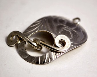 Sterling silver toggle clasp - Iris pattern - handmade