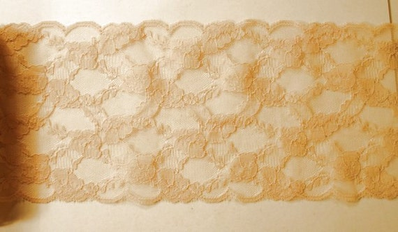 Ivory Floral Design Chantilly Lace Trim 3 Yards