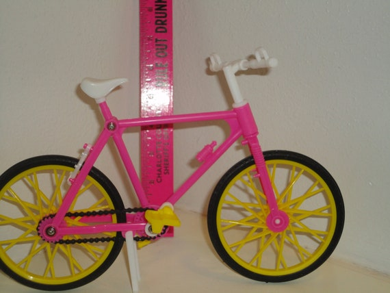 """Barbie Doll Bicycle Fully Moveable Wheels Turn Chain Pedals Rotate works Pink Yellow White 9"""""""