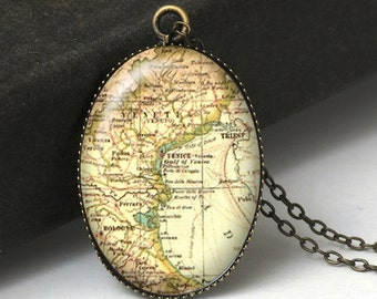 Venice Italy Map Necklace, Vintage Map, Italy Map Jewelry, Italy Map Jewelry, Europe Map, World Traveler, Map Art, N409