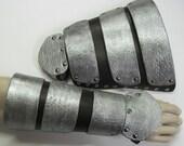Leather Armor Link Gauntlets