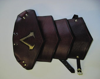 Leather Armor Sentinel segmented shoulder with graphic