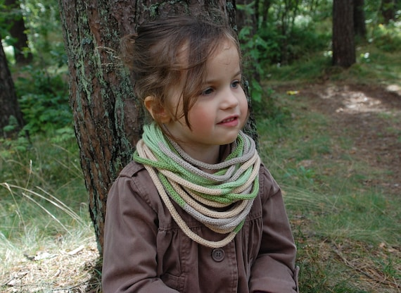 Knitted tube scarf for stylish girl - Green
