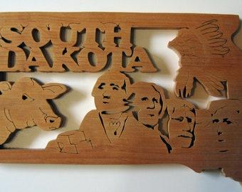 South Dakota State Shape Wood Cutout Sign Wall Art Detailed Design Decor
