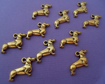 10 x dog charms, weiner, daschund, sausage dog, animal charms, plated, jewelery findings