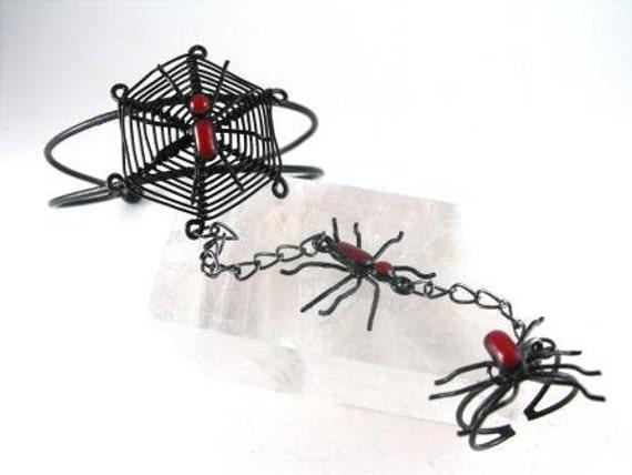 Wicked Black Widow Spider Wirework Slave Bracelet Ring 25.00 obo