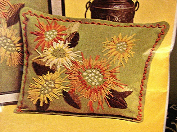 Vintage Mums Floral Crewel Embroidery Pillow KIT  unused Picture or Pillow Kit