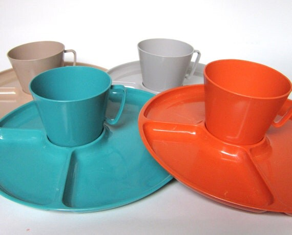 16-Pc Steri-Lite Melamine Dinnerware Set with Divided Plates & Cups, Sterilite Turquoise, Orange, Gray and Tan