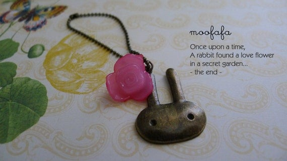 Necklace for Blythe Doll - Rabbit in the Garden Story