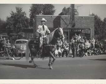 Parade Palomino - Vintage 1940s Western Equestrian and Bling Horse Photograph
