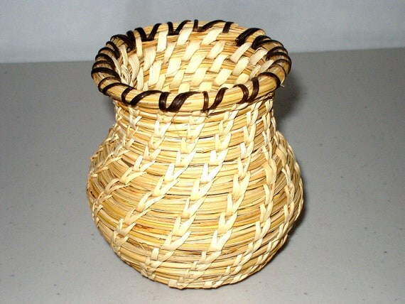 "RESERVED4KAREN Vintage PAPAGO (Tohono O'odham)  BASKET 4""x4"", Fred Harvey, Handmade From Bear Grass and Devil's Claw Native American Art"