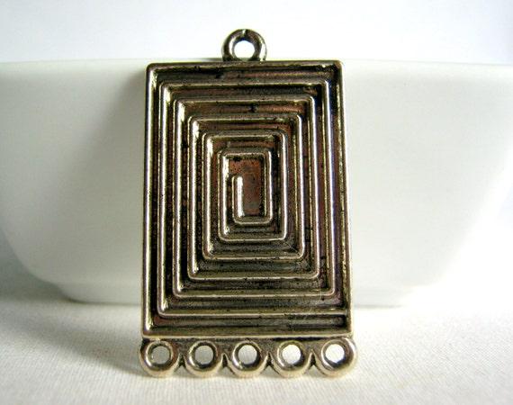 silver tone rectangular pendant 37mm (1)