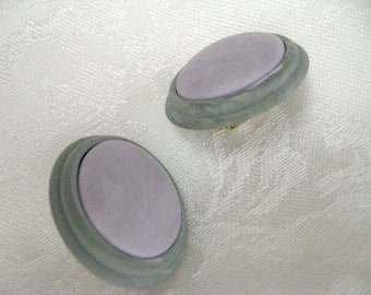 Vintage Clip On Earrings faux suede grey lavender retro style earrings1980s jewelry rockabilly earrings comfort clip earrings
