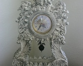 THE SHABBY TIME - Vintage Clock