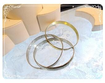 Silvertone & Goldtone Entwined Bracelet Set - Vintage Metal Bangles - 1163a-082012000