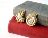 SALE Vintage clip on earrings 90s gold ocean sea shell fashion jewelry women rhinestone