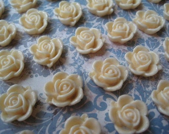 Cream Resin Roses... 10 pc Resin Cabochon Flowers... 14mm