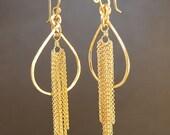 Hammered drop hoops with chain tassle Venus 152