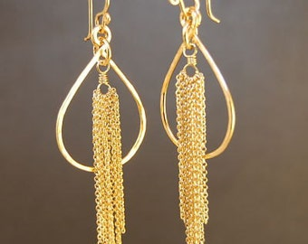 Hammered drop hoops with chain tassle Venus 152