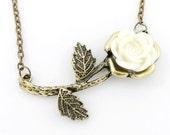 VINTAGE Retro Antique White Rose Pendant NECKLACE