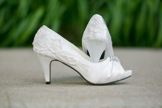 Ivory Wedding Shoes, Ivory Heels with Ivory Lace Design. US Size 6.5.