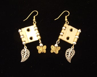 Very Unique Steampunk Metal Earring Set