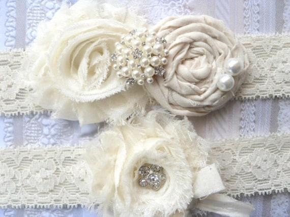 Garter .. Ivory Vintage Inspired Bridal Garter Set  .. Wedding Garter Set .. Toss Garter included ..