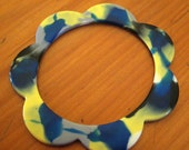 Daffodil Paintbox scalloped resin bangle