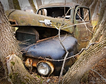 The story behind the old abandoned truck revealed by locals of small town Calabogie, ON Canada, 5x7 Fine Photo Decor, Rusty Mercury, Garage
