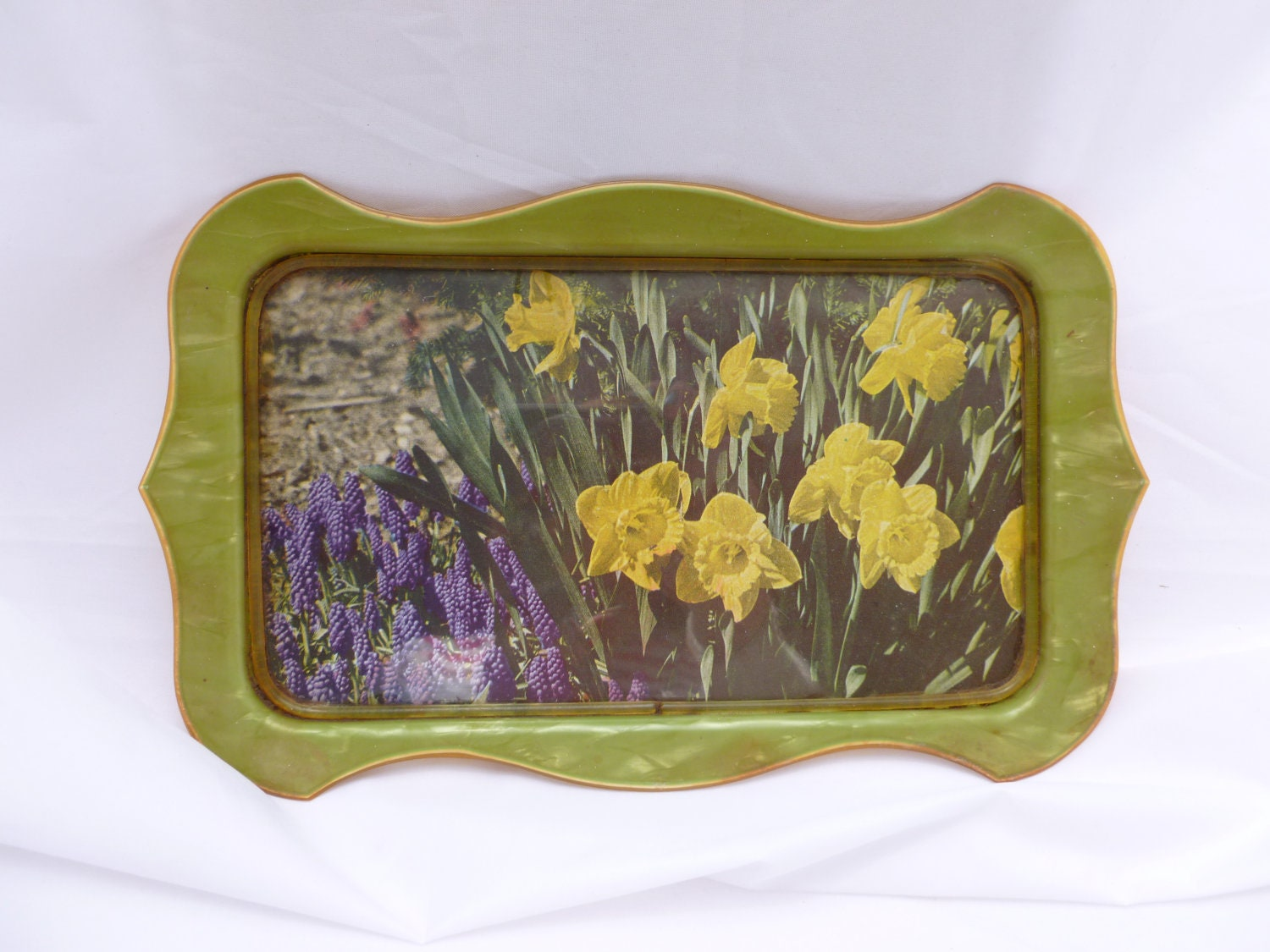 Decorative vanity trayart deco tray with daffodils vintage for Decorative bathroom tray