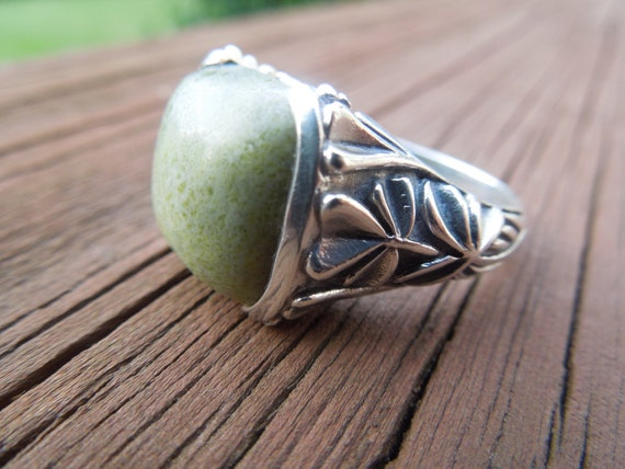 Vintage Irish Silver Ring with Green Stone.  Stamped IRELAND and 925 Size 10, Mens Ring