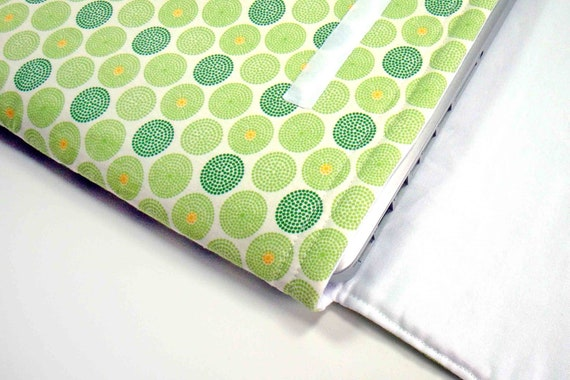 13 inch MacBook Green and Yellow Dot Print Laptop Top Sleeve
