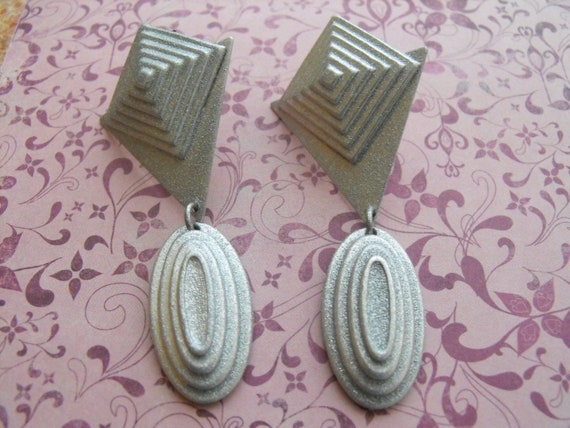 KATE HINES earrings Matte Silver Tone Costume Jewelry Large Earrings Vintage 1980s, Retro, Art Deco, Costume Jewelry