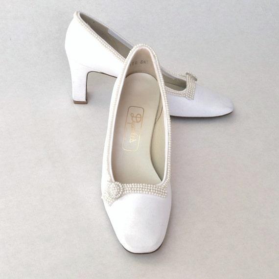 Vintage Mod 60s Satin Heels  --  Bridal / Formal White Dyeables  --  Pearls & Rhinestones  --  6.5 B