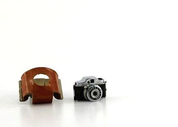 1950s Japanese Elite mini Camera with case