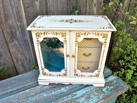 Vintage French Chic Jewelry Box Musical Jewelry Box