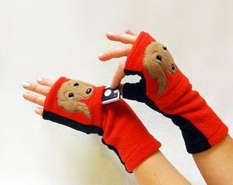 Dachshund Dog Walking Gloves. Fingerless Gloves with Pockets.