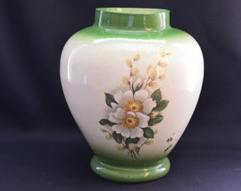VINTAGE FLOWER VASE-Ceramic Bouquet Holder-Classic Squat Urn- Elegant Home Display-Hostess-Housewarming-Open House-Collectibles-Affordable