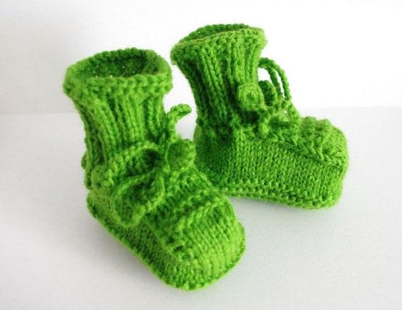 Newborn booties: hand knitted newborn booties, baby booties, green wool yarn