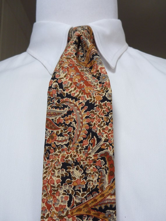 GORGEOUS Vintage ROOSTER Square Tipped Floral Cotton Neck Tie.