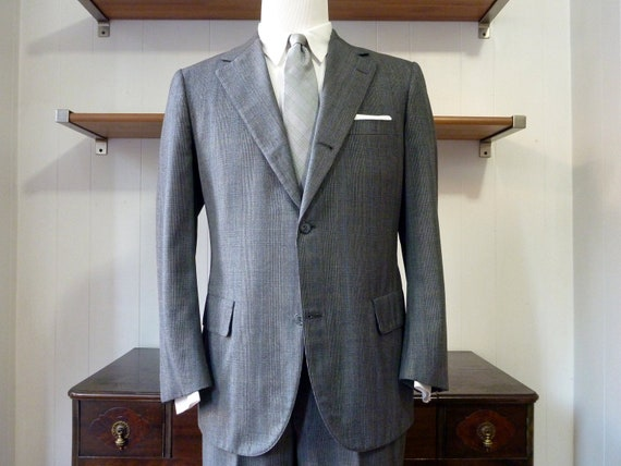Beautiful Vintage Brooks Brothers GOLDEN FLEECE Glenplaid / Prince of Wales 2 Piece Sack Suit 40 R. Made in USA.