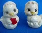 Chicken Salt and Pepper Shakers, Chick Hen Animal Vintage