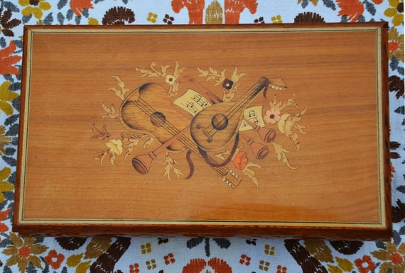 SALE...Vintage Italian wood jewelry, music box, hand inlaid, REUGE, Doctor Zhivago, Lara's Theme...was 50 now 44.