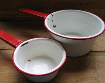 Enamelware Sauce Pans Matching Stacked Set White With Red Handle And Rim