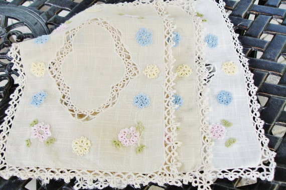 Italian Linen Doilies with cutwork embroidery set of three